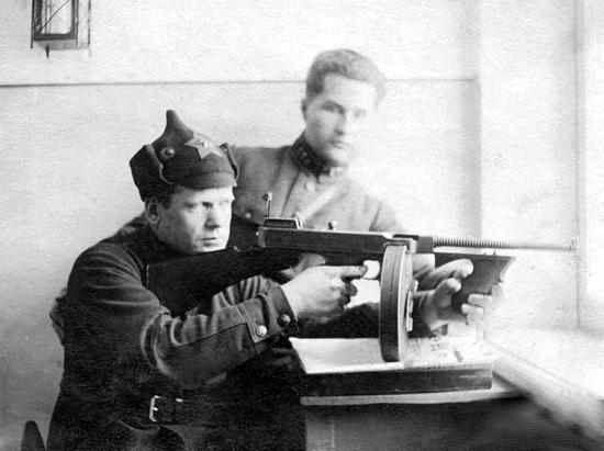 NKVD soldiers with M1921 Thompson
