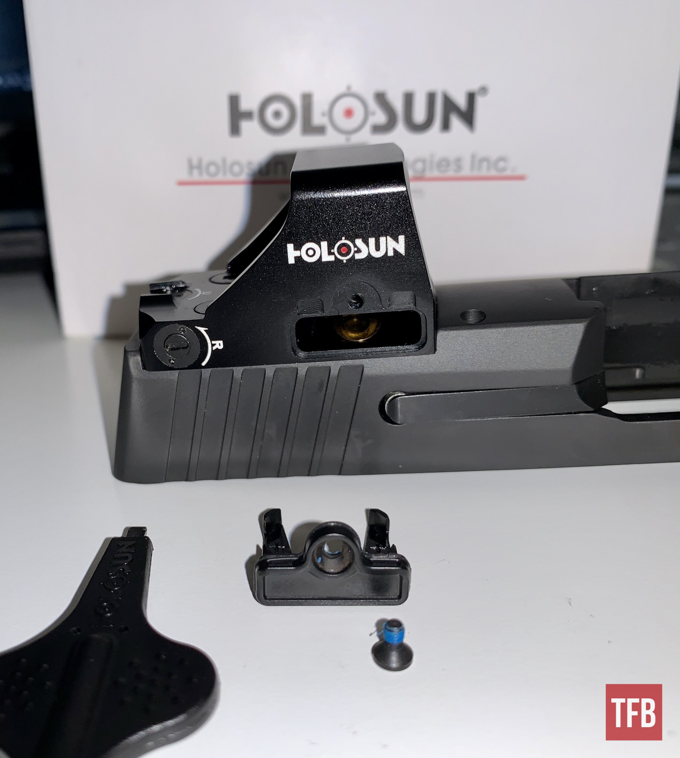 One common gripe about some other companies' red dots is that they require you to remove the optic to change the battery. Holosun eliminated that issue with this side-opening battery tray.