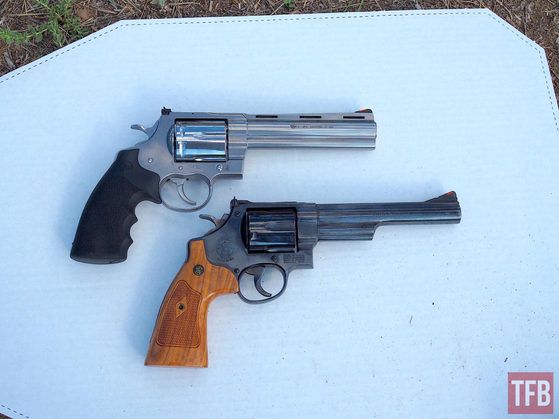 Colt Anaconda vs S&W Model 29